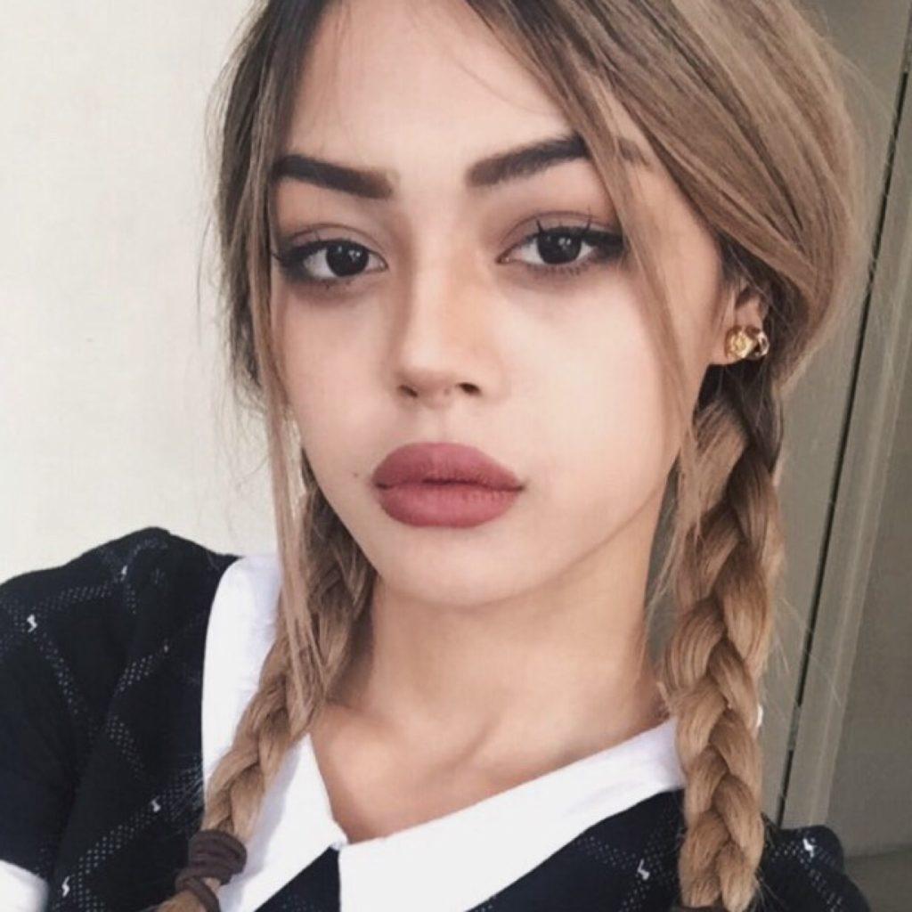 Lilly-May_Mac_